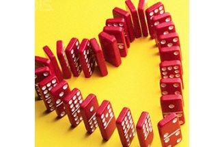 Dominos-in-heart-shappe1
